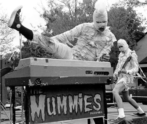 mummies_live_01